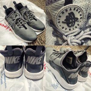 Women's Nike Air Huarache Sneakers